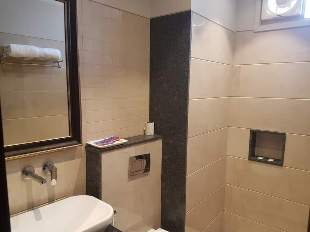Bathroom Super Deluxe Room