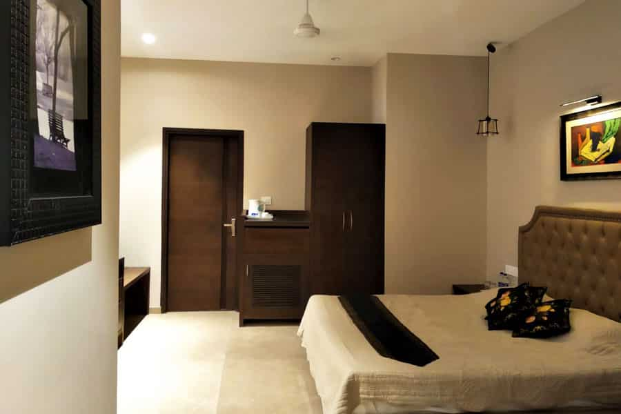 accommodation in Kasauli