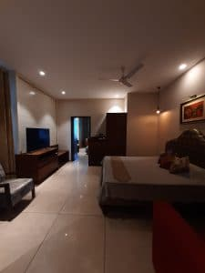 Contact for rooms in Luxury Hotels in Kasauli